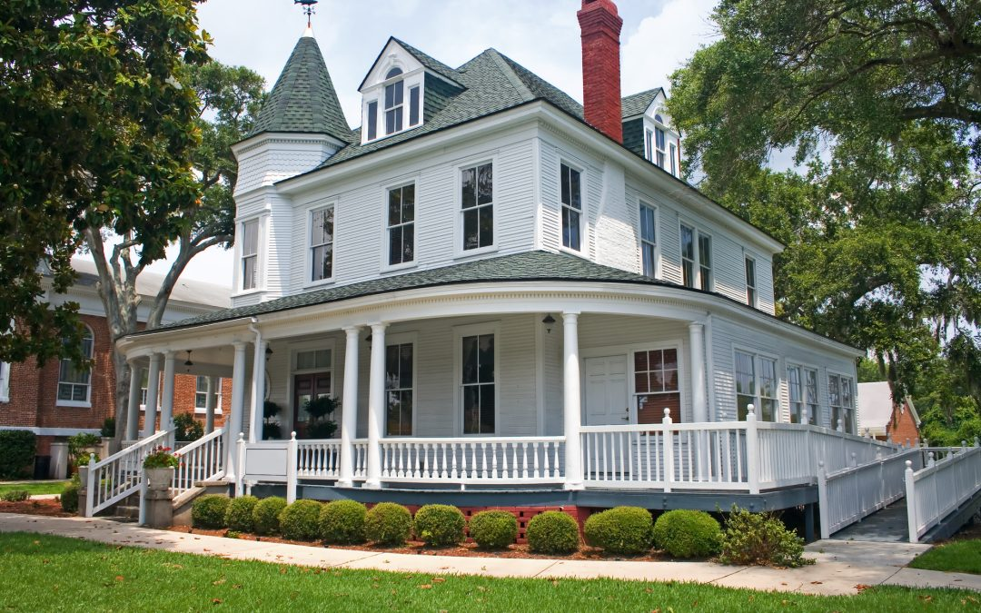 Dream Home Nightmares to Avoid When Buying an Old House